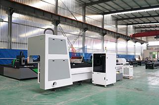 Tube laser cutting machine cutting pipe