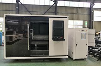 Advantages of closed type fiber laser cutting machine
